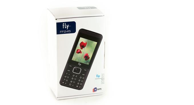 0ebda128047e6 Но вот перед нами Fly FF245 с аккумулятором 3700 мА·ч, к тому же по цене  всего 2300 рублей. Зачем такой телефон нужен и кому он необходим, ...