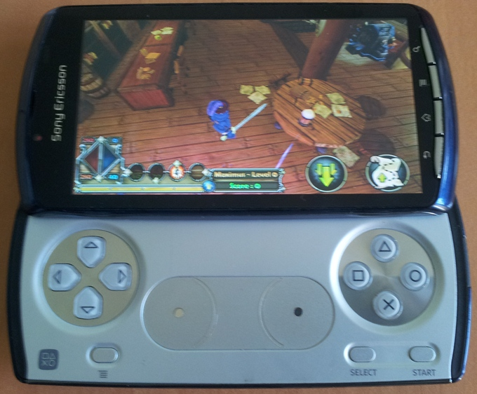 Играем на Sony Xperia Play